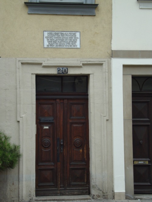 House in Erlangen just around the corner from their birth house, where both Georg Simon and Martin worked as poorly paid lecturers for physics Photo: Thony Christie
