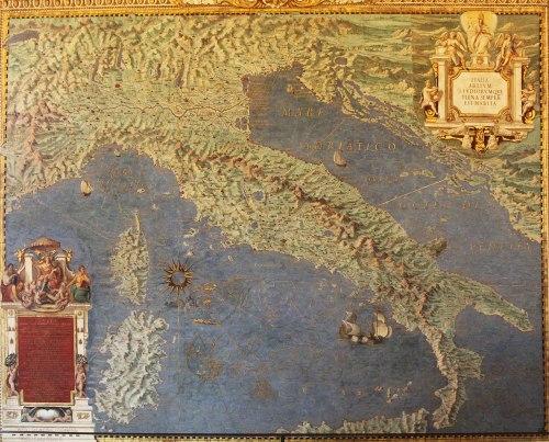 1280px-Italia_nova_-_Galleria_delle_carte_geografiche_-_Musei_vaticani_-_Roma_(ph_Luca_Giarelli)