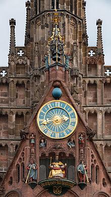 MK40639_Kunstuhr_Frauenkirche_(Nürnberg)