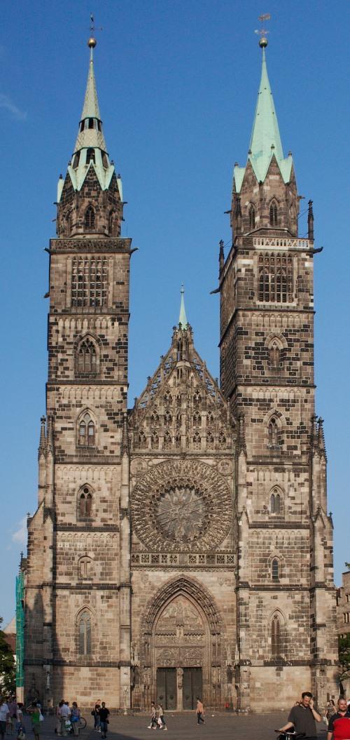 Nürnberg St. Lorenz Türme von Westen